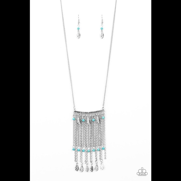 ✨3 for $10✨ Silver and turquoise necklace